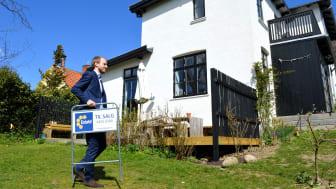 Når ejendomsmæglerne i Estate hjælper boligsælgere med at komme godt videre på boligmarkedet, er det især køkken-alrummet, badeværelset og terrassen, der sælger boligen bedst. Foto: Estate.