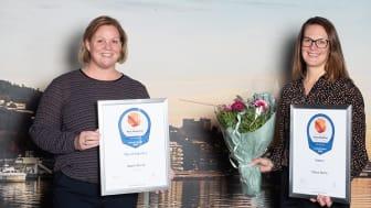 BESTE KONSULENTSELSKAP. (F.v.) Beathe Lassen og Megan Strand med bevis på at Sopra Steria er årets mest attraktive arbeidsgiver i konsulentbransjen. Foto: Sopra Steria.