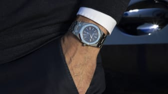 The swiss designer Gérald Genta is behind two iconic wristwatches up for auction at Bruun Rasmussen 29 September.