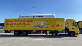 In Buchholz (Aller) können LKW künftig mit emissionsarmem LNG betankt werden. Erster Kunde war der Discounter Netto. (Bild: BarMalGas))