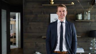 Joakim Westerlind Wiklund blir Bjurfors franchisetagare i Vemdalen, där mäklarkedjan i höst öppnar nytt kontor. Satsningen är en del i strategin att stärka Bjurfors närvaro i fjällen.