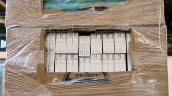 SE 18.16 Boxes of bread and cigarettes