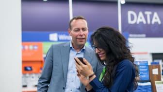 Vipps har på rekordtid blitt en hit blant Elkjøps kunder. Adm. dir. Jaan Ivar Semlitsch er overrasket over hvor hurtig man har tatt i bruk den nye løsningen.