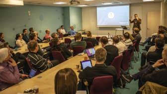 Runt 50 personer var på plats i Karlstads El- och Stadsnäts lokaler under tisdagen.