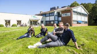 Lärlingsgymnasiet i Nödinge har sedan i somras bytt namn till Yrkesgymnasiet, men skolans starka kultur som byggts upp sedan 2008 består.