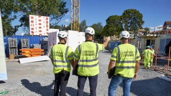 Säkerhetsföretaget Scandinavian Risk Solution, SRS, har hittills genomfört 31 kontroller på bolagens byggarbetsplatser. Fotograf: Bengt Alm