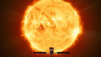 Forskare vid Institutet för rymdfysik i Uppsala bidrar till ett mätinstrument på den solutforskande rymdsonden Solar Orbiter. De första svenska forskningsresultaten är nu publicerade i Astronomy & Astrophysics. Illustration: ESA/ATG medialab