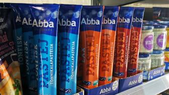 Miljömärkningen på tonfisk-, lax- och böcklingpastejerna från Abba gör det enklare att göra hållbara val i butik.