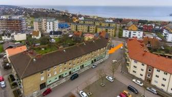 Brf Höganäshus 1. Pilen markerar var de tre nya bostadsrätterna byggs.
