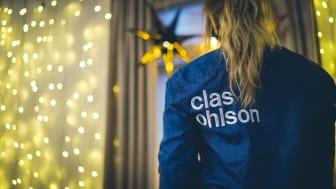 Clas Ohlsonin hyväntekeväisyyskampanja toi joulutunnelmaa senioritaloihin – jouluvaloja ja etä-musisointia