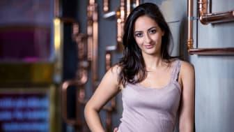 Prisbelönta entreprenören Negin Azimi, 20 år, inbjuder till TEDxYouth Stockholms event om vägen till ett hållbart näringsliv