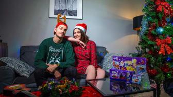 Zpěvačka Celeste Buckingham a youtuber GoGoManTV jsou tvářemi vánoční kampaně značky Milka
