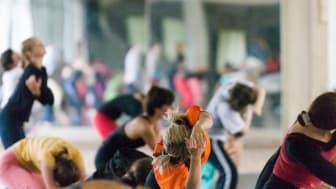 Dans för hälsa fokuserar på hur tjejers psykiska välmående kan förbättras med hjälp av kravlös dans.