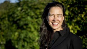 Marie Lundström är en av många författare som besöker biblioteken i Kungsbacka. Samtalet med Marie Lundström sänds även digitalt.