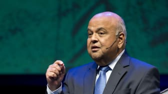 South Africans must work together to find ways to generate economic growth
