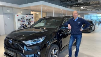 Biljournalister har trillet maksimalt med antall øyne på terningen i sin vurdering av denne modellen, sier Tor Skagen, salgssjef hos Nordvik Toyota Sortland. Foto: Nordvik AS.