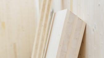 Martinsons kan nu erbjuda Svanenmärkt KL-trä
