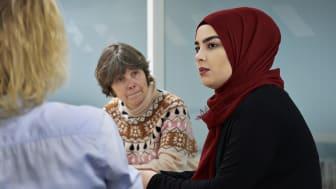 Især flygtningekvinder kommer tilbage i arbejde efter corona-pandemien