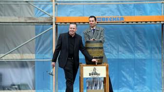 Pre-Opening Manager Axel Kross und  Marcus Köhler, Direktor des ACHAT Comfort Messe-Leipzig beim Richtfest am 24.11.2016