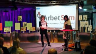 Åsa Orrmell tog emot priset under ArbetSams Museidagar på Kvinnohistoriska museet i Umeå.