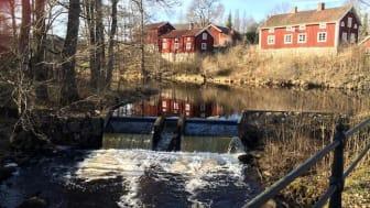 Vy från gamla bron över Järleån i Järle - Sveriges minsta stad