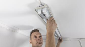 Att installera lysrörsarmatur borde vara en enkel process, tycker Lars Edwardsson på Verktygsboden.