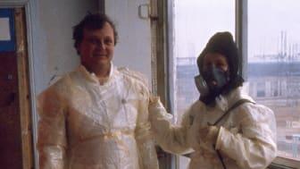 Victoria Ivleva med Igor Mikhailov efter besöket i reaktor 4