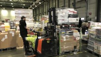 Med dobbeltstabling af paller optimerer SpaceInvader løsningen fragt- og lagerkapacitet, som giver transport og logistikoperatører store omkostnings- og klimabesparelser.