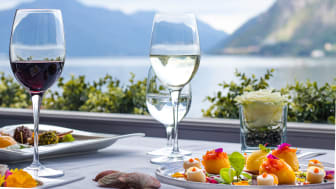 """Restaurant """"Galleria Arté al Lago"""" in Lugano, Tessin (c) Grand Hotel Villa Castagnola, Foto Liliana Lafranchi"""