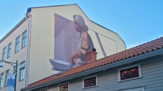 På fotot är muralmålningen ej färdigställd.