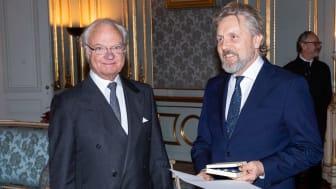 H.M. Konungen delar ut Prins Eugen-medaljen till Bengt Isling på Stockholms Slott den 7 november 2019.