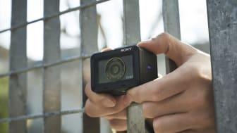 A Sony lançou uma atualização de firmware para o modelo de câmara RX0 II, que introduz a funcionalidade de focagem automática para vídeos e compatibilidade com o telecomando RMT-P1BT