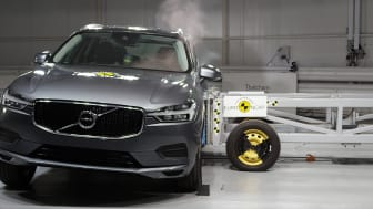 Volvo XC60 in the side crash test at Thatcham Research