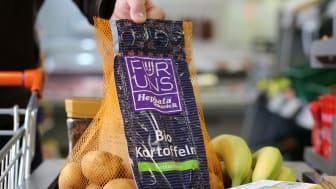 """Ausgezeichnet: Die Produktmarke """"Für Uns – Hephata Diakonie"""" ist am Freitag, 12. März 2021, mit dem Universal Design Award ausgezeichnet worden. Lebensmittel aus den Landwirtschaften und Produkte aus den Manufakturen Hephatas tragen das Markenzeichen"""