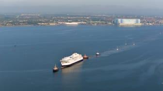 Det første GR-skib trækkes fra Stralsund_1