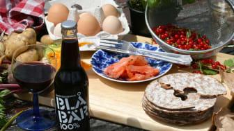 Saxhyttegubbens Blåbär 100% innehåller endast färska blåbär och inget annat. Ca. 2300 bär i varje flaska.