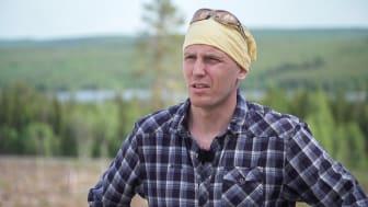 Skogsbrukaren Björn Ferry intervjuas i filmen. Foto: Sverker Johansson/Bitzer