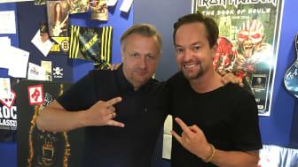 Rockklassikers programledare Jonas Nilsson tillsammans med rockreportern Andreas Carlsson