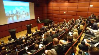 Norwegens Botschafter Petter Ølberg begrüßt mehr als 120 Teilnehmer beim 21. Deutsch-Norwegischen Energieforum.