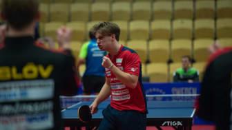 Trusl Möregård i Eslövs AI knyter näven i Ligacupfinalen mot Spårvägen där hans Eslöv stod som segrare