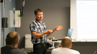 Fredrik underviser på NOVAPs F-gass kurs.