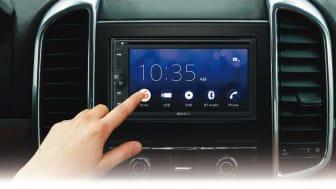 Nye AV-mottakere til bil med smarttelefon-oppkobling og god lyd