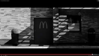 McDonaldsreklam med Aptus porttelefon