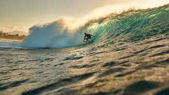 Se information om tidvatten, våghöjd, vind och betyg gällande surfing i din kompatibla Garmin smartwatch