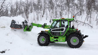 Merlo MF40.9 är en maskin som tar sig fram lika smidigt sommar som vinter.