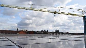 Innovativt och självförsörjande parkeringshus invigt i Lund