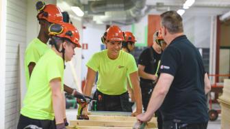 Skolan erbjuder tre program inom bygg, transport och vård
