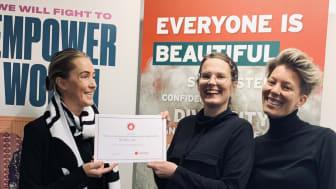 Matilda Wiechel, Communications Manager The Body Shop, Rebecka Hallencreutz, Verksamhetsutvcklare & Sanna Vanno, Projektledare, båda organisationen MENSEN.