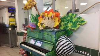 Horsham station's Rumble In The Jungle piano, decorated by children from Queen Elizabeth II school