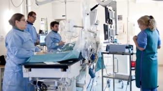 Vid akut hjärtinfarkt sker sk ballongvidgning av kranskärlen på PCI-lab. Sedan oktober i helt nya lokaler. Runt 95 av 100 patienter som kommer in med akut hjärtinfarkt överlever.